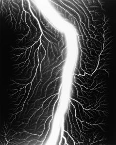 hiroshi-sugimoto-lightning-fields-236